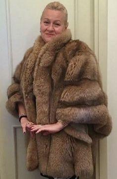 Sable Fur Coat, Fur Fashion, Furs, Faux Fur, Favorite Things, Nice, Lady, Jackets, Women