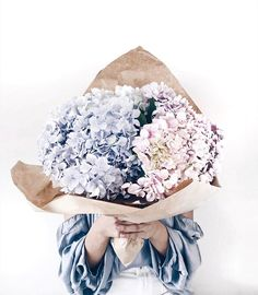 Happy Galentine's Day my pretties Tag a gal who deserves some virtual flowers today and letting her know she's flipping awesome . Flowers Today, Big Flowers, My Flower, Pretty Flowers, Wedding Flowers, Wedding Bouquet, White Flowers, Beautiful Flowers Photos, Flower Photos