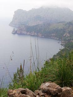 Wandern auf Mallorca Orange, Places, Outdoor, Jam Jam, Deli Food, Olives, Hiking, Majorca, Outdoors
