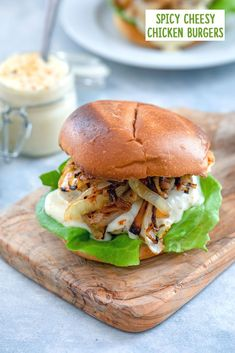 Chicken burgers don't have to be boring! This Spicy Cheesy Chicken Burger is packed with a flavorful kick and covered in a delicious cheese sauce. Chicken Patty Recipes, Ground Chicken Recipes, Ground Chicken Burgers, Beef Burgers, Great Burger Recipes, Burger Ideas, Caramelized Onions Recipe, Amazing Burger, Brioche Bun