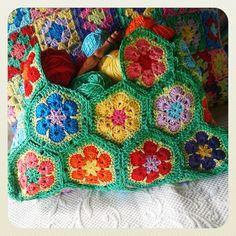 Crochet african flower hexagon bag