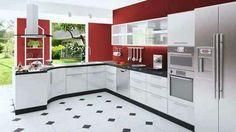 Charmant Individuelle, Moderne Küche Mit Rote Wände, Weiße Schränke, Schwarzen Und  Weißen Boden Und Edelstahl Geräte