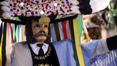 Los spiegeltuxer de la localidad de Muller y sus máscaras, uno de los carnavales tradicionales de Austria. Foto: Tyrol.com