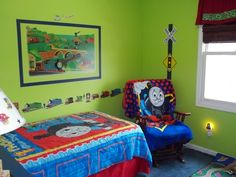 Thomas The Train Bedroom Decor Picture [ChrisSinc: I think I'd do red walls and blue curtains]