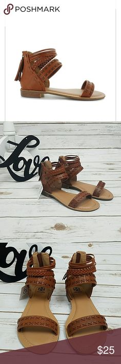 3ae44d3d149 Shop Women s Daisy Fuentes Brown Tan size 7 Sandals at a discounted price  at Poshmark.