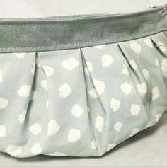 Sac Cancan en lin gris et coton tâches blanches cousu par Céline - Patron Sacôtin