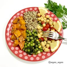 Today's Lunch - This lunch is high in protein, vitamins and fibers. #vegan #vegans_vegans #quinoa