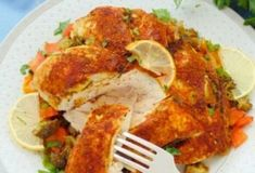 Салат «Русские традиции» мы будем готовить из самых простых ингредиентов: но получится он невероятно вкусным. Свежий, нежный и яркий салат с необычным вкусом сразу приковывает к себе взгляды....