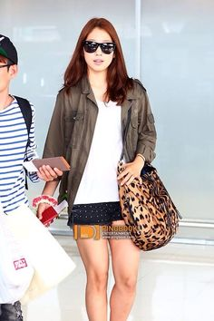 Park shin hye | airport fashion