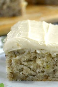 Banana Walnut Cake with Caramel Frosting ~ part banana bread, part snack cake, part blondie, this little banana cake is a must make! Vanilla Bean Frosting, Caramel Frosting, Vanilla Cake, Banana Recipes, Cake Recipes, Dessert Recipes, Just Desserts, Delicious Desserts, Yummy Food