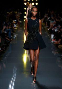 Imagen de http://www.style2klik.com/wp-content/uploads/2014/09/Elie-Saab-Ready-to-Wear-Spring-Summer-2015-Paris-Fashion-Show-www.style2klik-35.jpg.