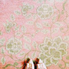 pink and green rug Pink And Gold, Pink And Green, Pale Pink, Dusty Pink, Orange Carpet, Pink Carpet, I Believe In Pink, Pink Rug, Carpet Design