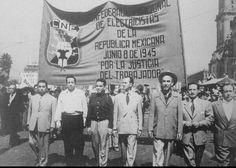 8 de junio de 1945, Cantinflas marcha con el sindicato de electricistas.