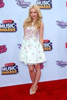 Dove Cameron & Sofia Carson 'Descend' To The Radio Disney Music Awards Photo Ryan McCartan stays close to Dove Cameron on the red carpet at the 2015 Radio Disney Music Awards held at Nokia L. Live in Los Angeles on Saturday afternoon (April… Liv Et Maddie, Dove Cameron Bikini, Dove Cameron Style, Fru Fru, Disney Music, Disney Style, Hot Bikini, Music Awards, Ideias Fashion