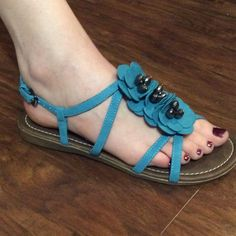 FLOWER EMBELLISHED TURQUOISE SANDALS BY REPORT These are super cute and could be dressy or casual. They are NEW WITHOUT BOX..pretty turquoise color Report Shoes Sandals