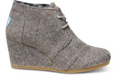 TOMS are 20% off till Dec 17th … should I go for this herringbone wedge or a plain color? If plain, taupe, brown, or black … agh, I can't decide!