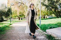 Δάφνη Ηλιάκη: Μόδα σημαίνει τρόπος έκφρασης Athens, Duster Coat, People, Jackets, Fashion, Down Jackets, Moda, Fashion Styles, People Illustration