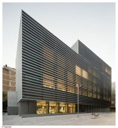 Social Security Administration Building In Barcelona / BCQ Arquitectura artitecture architecture masterpiece Building Skin, Building Facade, Building Exterior, Building Design, Architecture Design, Architecture Office, Contemporary Architecture, Barcelona Architecture, Installation Architecture