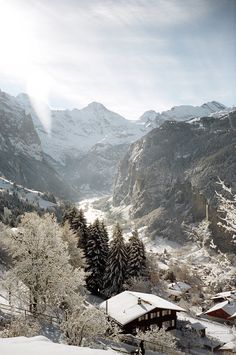 looking into the valley, #Wengen, Switzerland....yes please!!