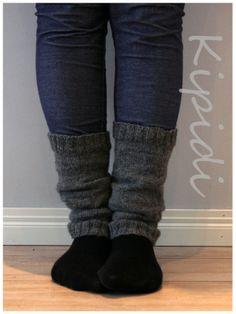 Leg warmers / Säärystimet Novitan Pikkusisko-langasta Leg Warmers, Winter Fashion, Socks, Knitting, Villas, Crochet, Handmade, Diy Projects, Beautiful