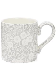 Decorated in one of the brands' bestselling floral prints, this elegant Burleigh Calico mug boasts a classic design with a chunky handle for ultimate comfort.