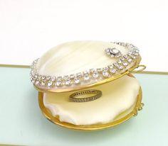 Coquillage boîte de bague avec cristal Swarovski, chaîne - plage mariage, porteur de plage de bague de mariage, demoiselle d'honneur bijoux boîte bague proposition