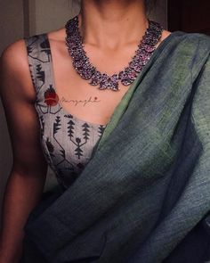 Shop All The Trending Silver Antique Necklace Sets Here Trendy Sarees, Stylish Sarees, Saree Jewellery, Saree Trends, Saree Look, Saree Styles, Blouse Styles, Indian Outfits, Indian Dresses