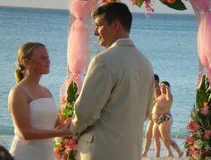 Best photo bomb, worst wedding photo.