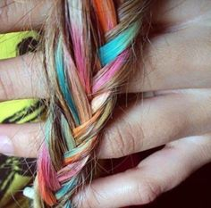 Easy And Safe Highlighting Your Kid's Hair With Hair Chalk | Kidsomania