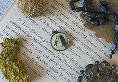 French antique medal brass & wood Sainte Thérèse de Lisieux collection…