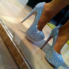 Hot High Heels - I Love Shoes, Bags & Boys