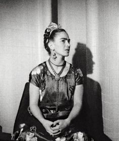 Frida Kahlo through the Lens of Nickolas Muray - Utah Museum of Fine Art 2006 Diego Rivera, Frida E Diego, Nickolas Muray, Divas, Mexican Artists, Bear Art, My Muse, Great Artists, My Idol