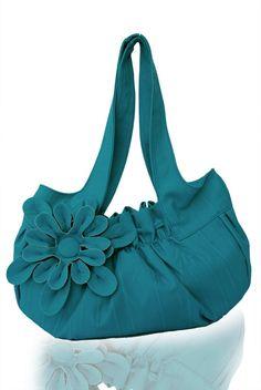 Sweet little leather purse:)