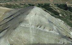 blablanews: ΕΝΤΥΠΩΣΙΑΚΟ - Η Πυραμίδα του Ταΰγετου μέσα από εικ...