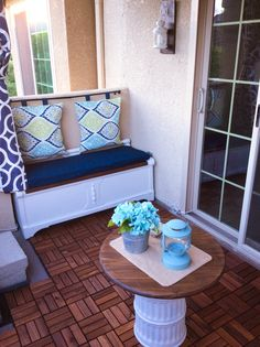 Mission decorate ugly stucco balcony, outdoor wooden flooring from ikea, DIY Pillow back, DIY storage bench. Diy Storage Bench, Outdoor Storage, Storage Spaces, Storage Ideas, Unique House Design, Tiny House Design, Bedroom With Sitting Area, Balkon Design, Floating House