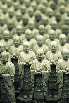 Little Buddha statues at Hase-dera, Japan 長谷寺 Lotus Buddha, Art Buddha, Buddha Zen, Buddha Statues, Japanese Culture, Japanese Art, Japon Tokyo, Culture Art, Spirituality