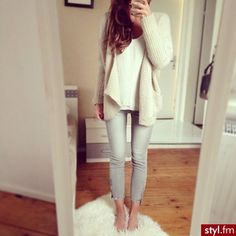 Light pants with a cream top to make a comfortable and stylish outfit for Spring