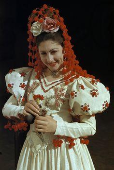 Sevilla ropa tradicional - mantilla roja
