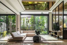 Contemporary single family house located in Kuala Lumpur, Malaysia, designed by DCA: Design Collective Architects. Contemporary Interior Design, Decor Interior Design, Modern Design, Interior Decorating, Double Storey House, Facade House, Cool House Designs, Minimalist Living, Building A House