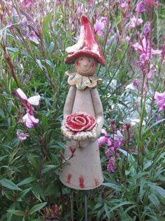 Gartenfiguren - neue Blumenmädchen - ein Designerstück von ...