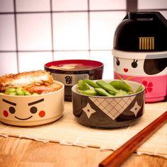 Die Kokeshi Bento Box in originellen Anime-Designs für ein vorbildlich portioniertes und immer frisches Mittagessen.