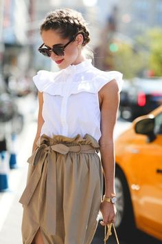 The Raddest Beauty Street Style From NYFW The ruffles and draping are so pretty! Love the braids too. // Best Beauty Street Style Looks NYFW Spring 2017 // Looks Chic, Looks Style, Street Style Looks, Look Fashion, Fashion Outfits, Fashion Trends, Ladies Fashion, 80s Fashion, Runway Fashion