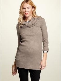 I NEED this... The whole outfit. Super cute maternity outfit.