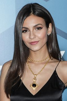 Cute Celebrities, Victoria Justice Hair, Vicky Justice, Victorious Justice, Wwe Female Wrestlers, Justice Clothing, Most Beautiful Women, Pretty Face, Beauty