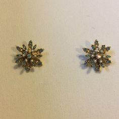 "Vintage rhinestone star earrings Pierced...excellent condition..measures 1"" diam. Vintage Jewelry Earrings"
