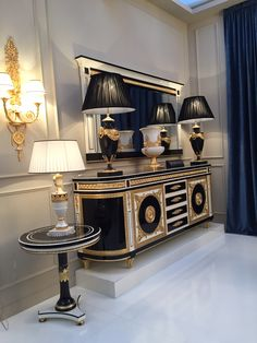 Classical Side Board With Mirror Frame. Home Decor Furniture, Luxury Furniture, Furniture Design, Style At Home, Versace Furniture, Versace Home, Style Noir, Classic Furniture, Luxury Interior Design