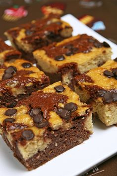 Κέικ βανίλια σοκολάτα (αντί για αλεύρι έχει φασόλια) Banana Bread, Food Ideas, Healthy Recipes, Cakes, Vegan, Desserts, Art, Tailgate Desserts, Art Background