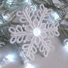 FSL Christmas Snowflake Light 9 - 4x4 | What's New | Machine Embroidery Designs | SWAKembroidery.com Ace Points Embroidery