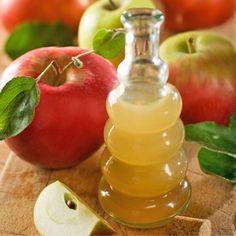 """Gyors fogyás almaecettel  Az almaecet tele van vitaminnal és csökkenti az étvágyat és elveszi az édesség utáni vágyat. Az édesszájú bombázó Megan Fox esküszik az almaecet-víz koktélra. A színésznő így próbálja kompenzálni, hogy borzasztóan édesszájú. """"Az almaecet…"""