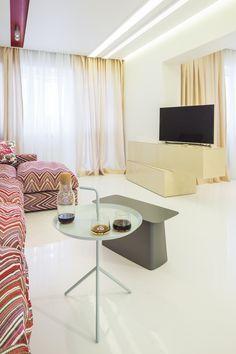 minimalist living room orders/price offers at: office Minimalist Apartment, Minimalist Living, Marsala, Living Room, Interior Design, Nest Design, Minimal Living, Home Interior Design, Interior Designing